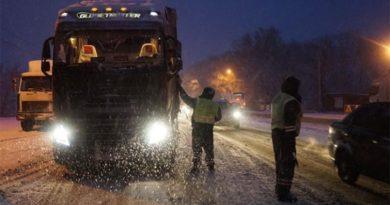Дорожники рассказали про очистку снега в Челябинске