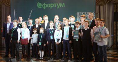 Известный шахматист дал сеанс одновременной игры по шахматам в Челябинске