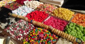 Почти 80 килограммов сладостей изъяли из продажи в Челябинской области