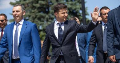 Зеленский попросил Евросоюз сохранить санкции против России